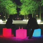 Moree Ltd.: Kategorien - Möbel - Cube LED Sitzwürfel