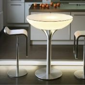 Moree Ltd.: Rubriques - Mobilier - Lounge Table 105 Table bistrot