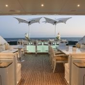 Tuuci: Categories - Furniture - Ocean Master Manta Parasol