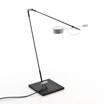 Absolut Desk Lamp