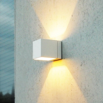 Kube HALO Wall Lamp