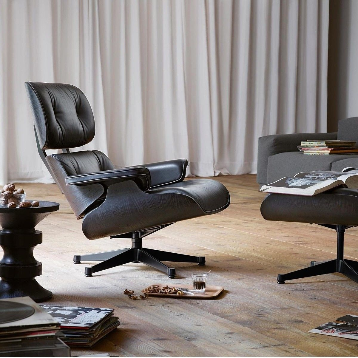 eames lounge chair ottoman vitra. Black Bedroom Furniture Sets. Home Design Ideas