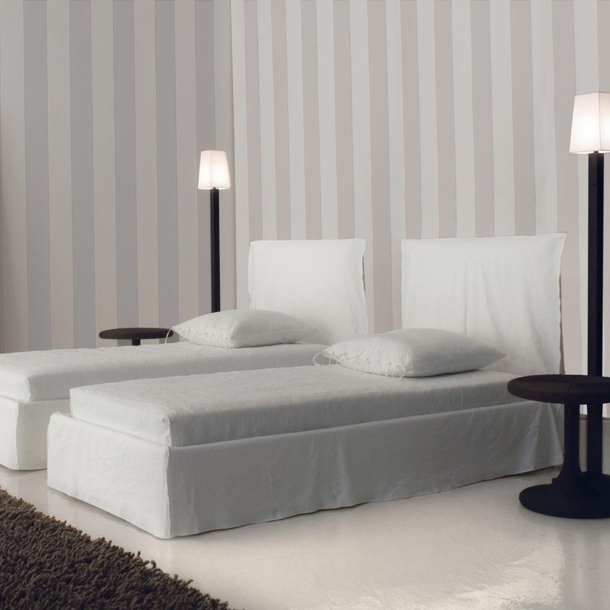 Ghost 80 f bed with slip cover gervasoni for Sofa bed 8101