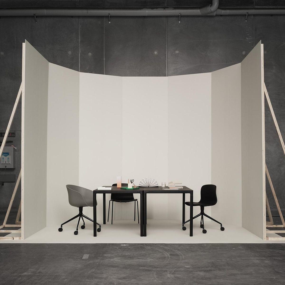 about a chair chaise de bureau sur roulettes hay. Black Bedroom Furniture Sets. Home Design Ideas