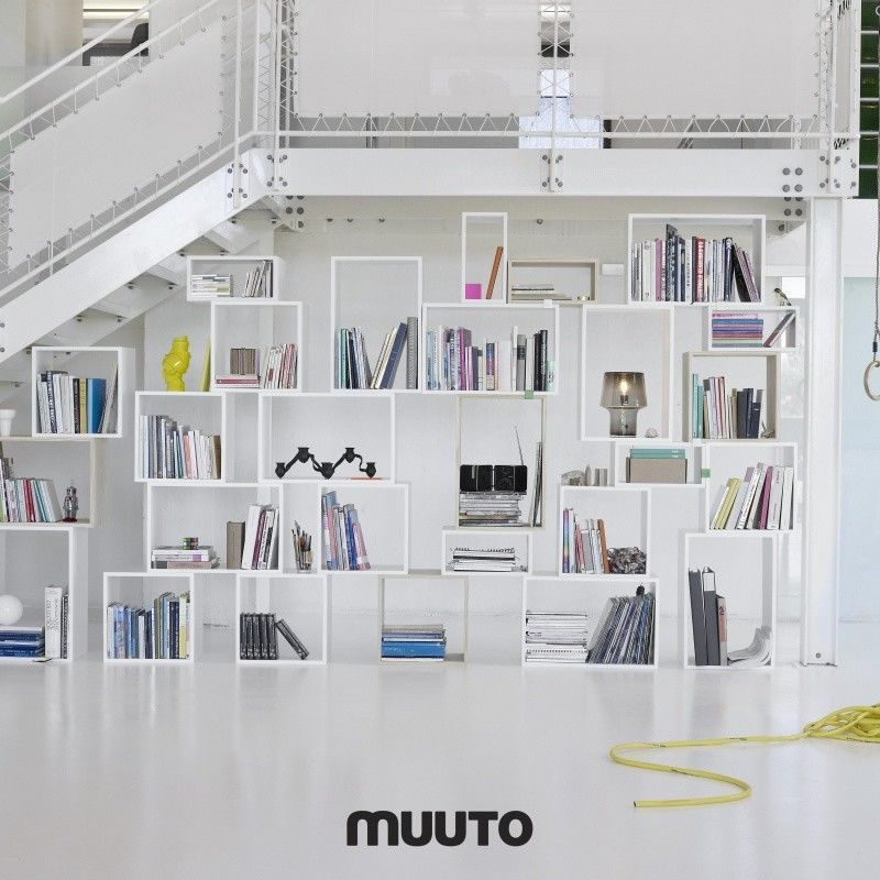 muuto stacked regalsystem wei muuto. Black Bedroom Furniture Sets. Home Design Ideas