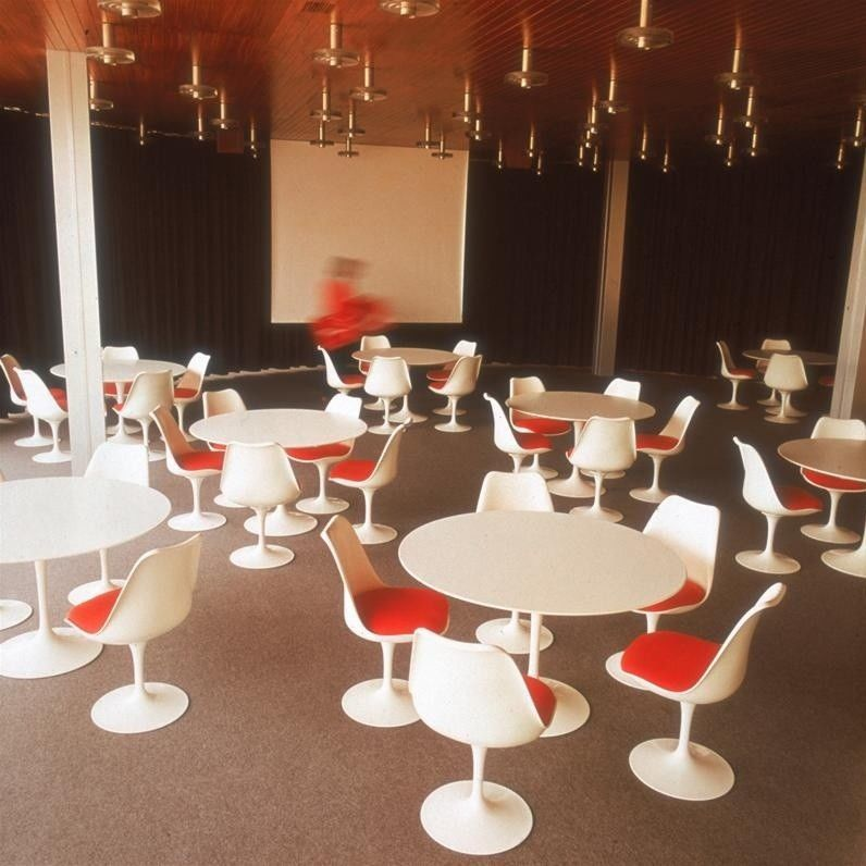 tulip eero saarinen stuhl knoll international. Black Bedroom Furniture Sets. Home Design Ideas