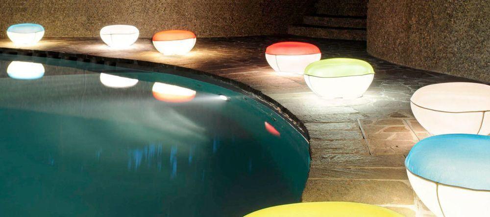 Oluce lampes luminaires et lampadaires design for Luminaire outdoor design