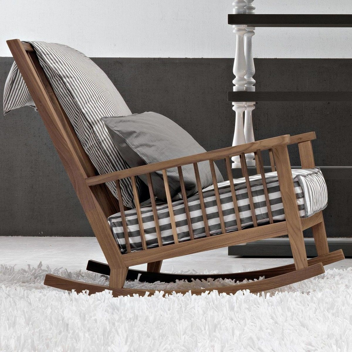 gray 09 rocking chair gervasoni. Black Bedroom Furniture Sets. Home Design Ideas