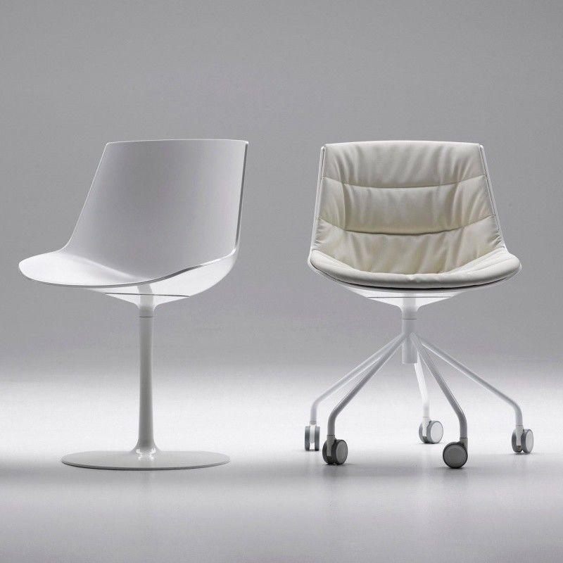 Flow Chair With Central Leg  MDF Italia  AmbienteDirectcom