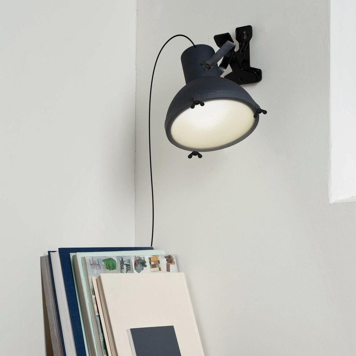 projecteur 165 lampe pince nemo. Black Bedroom Furniture Sets. Home Design Ideas