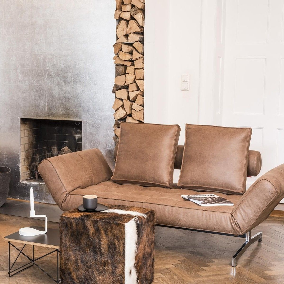 cheyenne fell hocker pouf jan kurtz. Black Bedroom Furniture Sets. Home Design Ideas