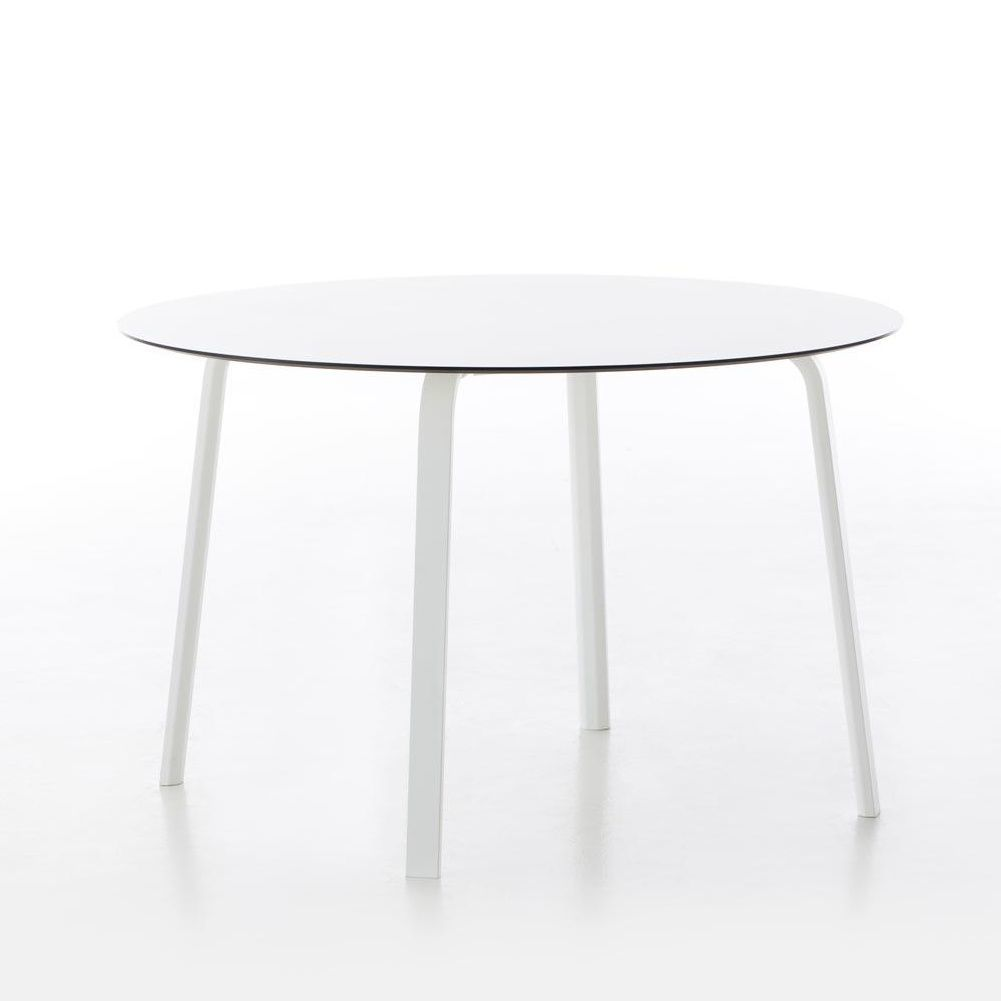 Stack garden table round gandia blasco for Table induction 71 x 52