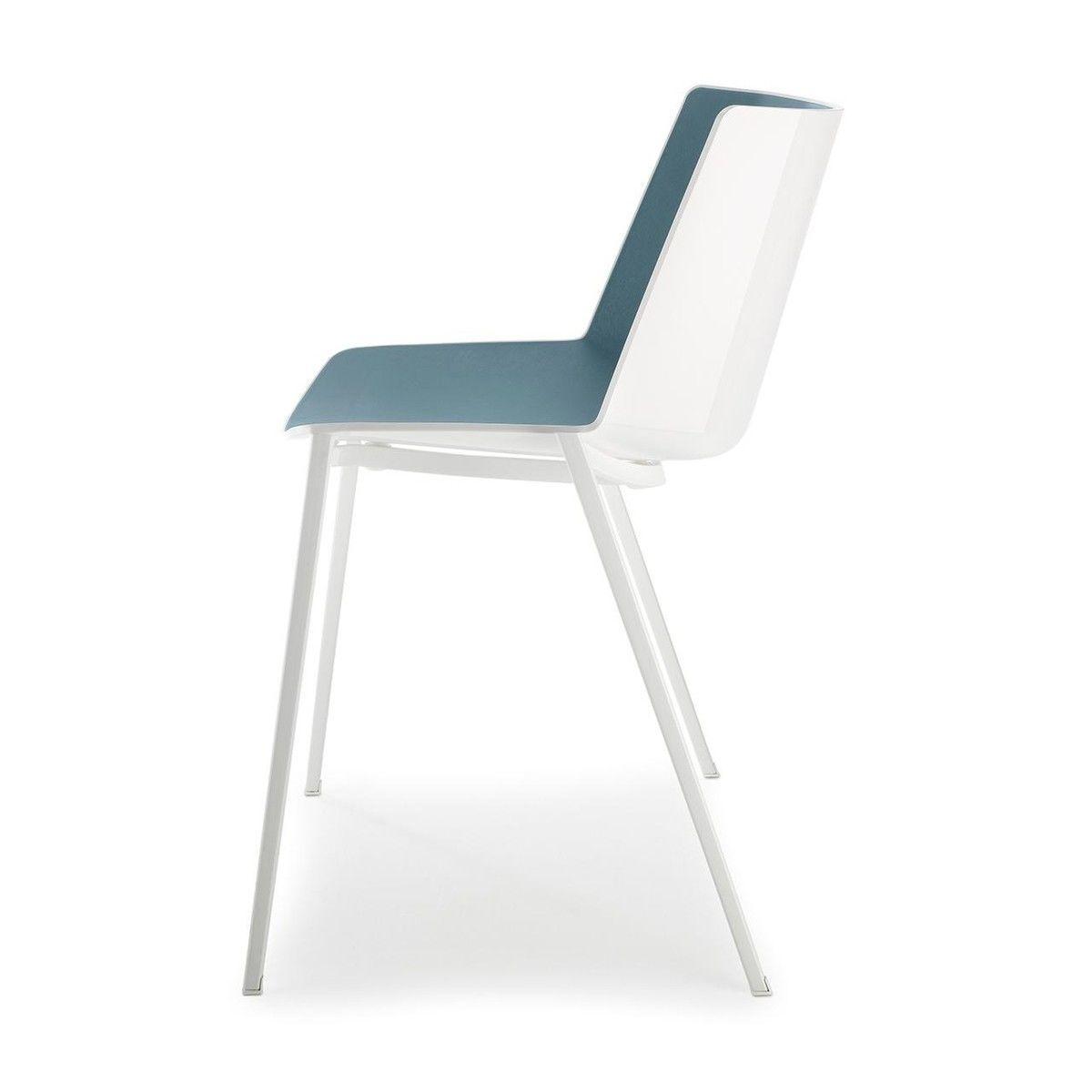 Aiku chaise avec pieds en forme de coin mdf italia for Chaise en forme de main