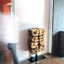 Radius - Wooden Tree Kaminholzregal mit Ständer