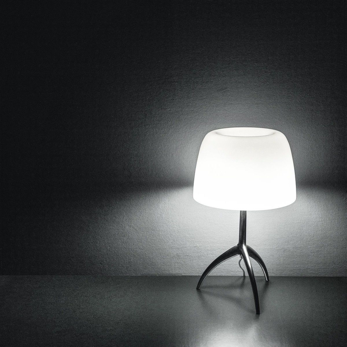Lumiere grande table lamp chrome foscarini - Foscarini lumiere table lamp ...