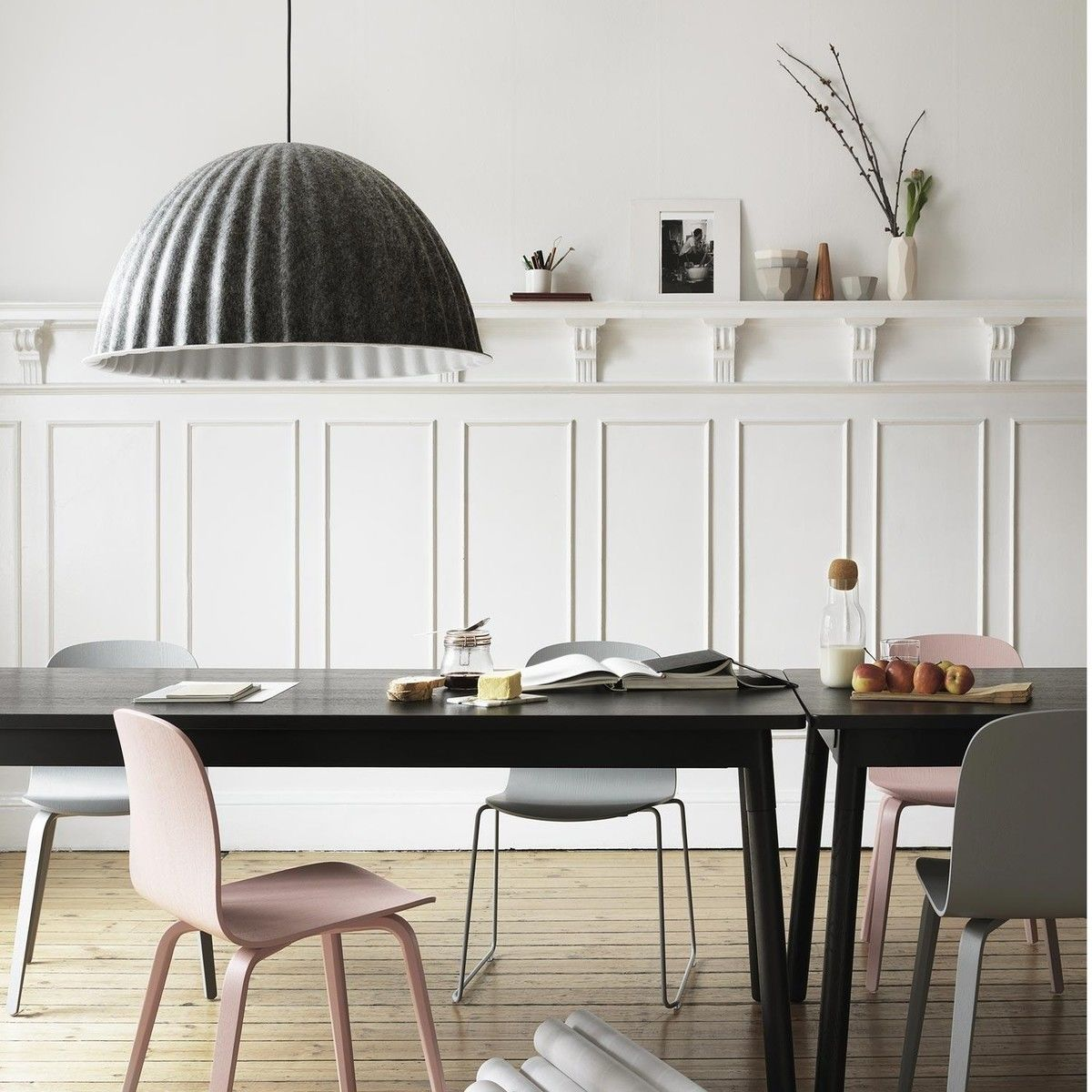 Under the bell suspension lamp muuto for Chaise candie life