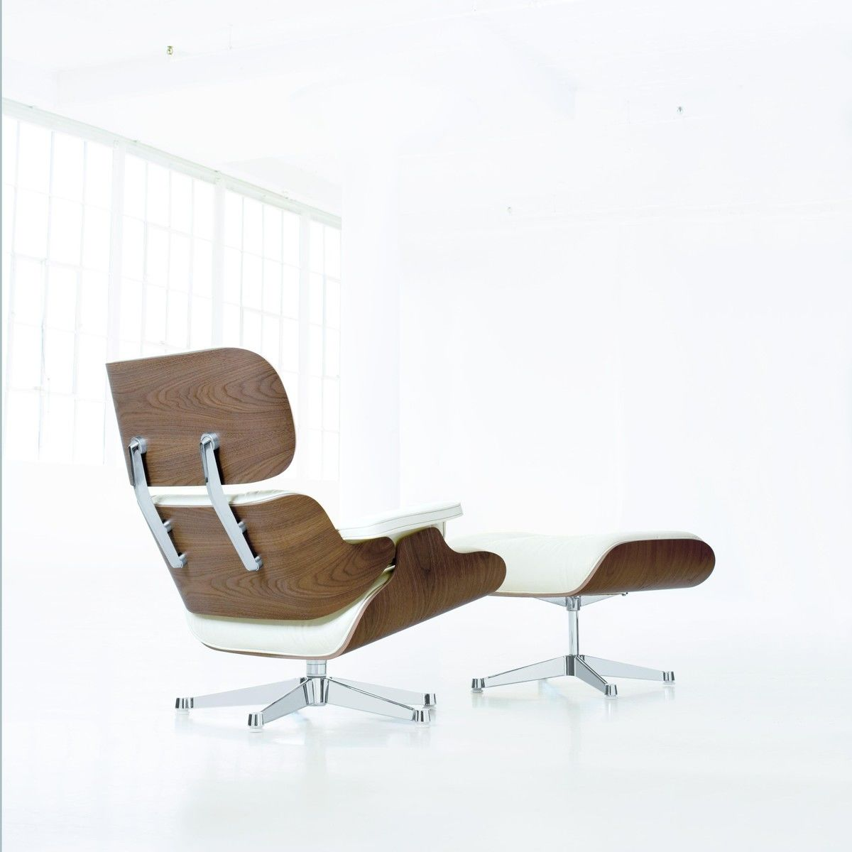 eames lounge chair xl new size ottoman vitra. Black Bedroom Furniture Sets. Home Design Ideas