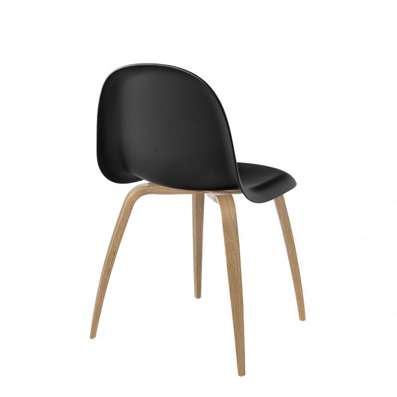 Gubi 3d stoel met houten onderstel gubi - Houten plastic stoel ...