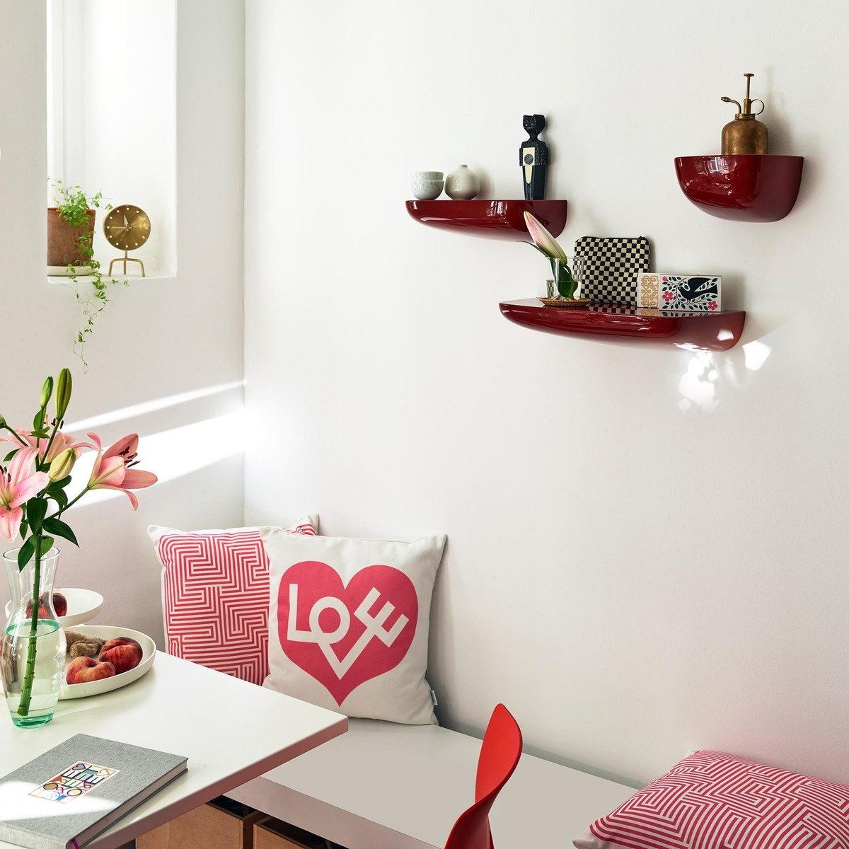 love kissen vitra. Black Bedroom Furniture Sets. Home Design Ideas