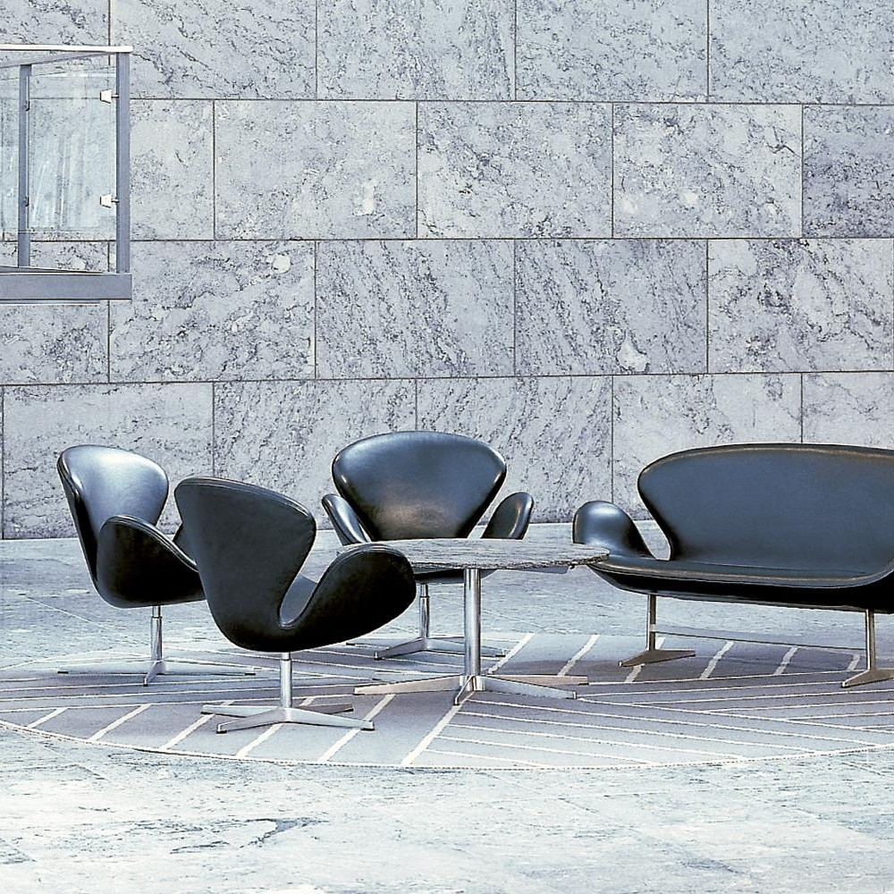 Swan chair sessel leder fritz hansen for Designklassiker sessel leder