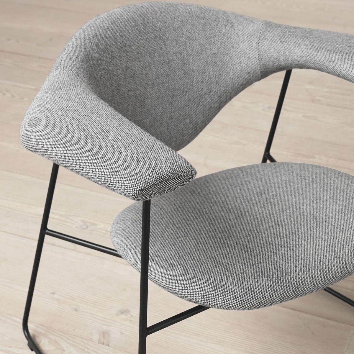 gubi masculo chaise fauteuil gubi. Black Bedroom Furniture Sets. Home Design Ideas
