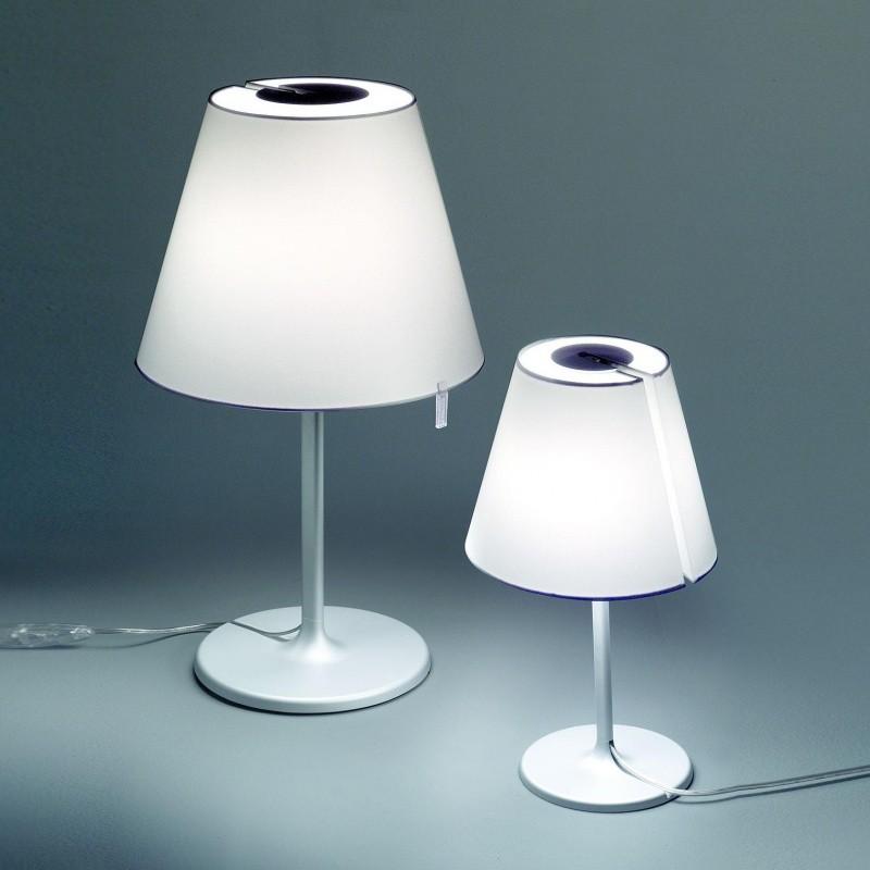 Melampo notte lampe de chevet artemide for Artemide lampe