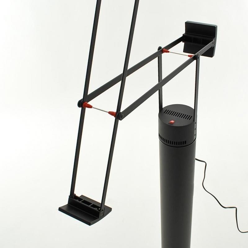 tizio led lampe de bureau artemide. Black Bedroom Furniture Sets. Home Design Ideas